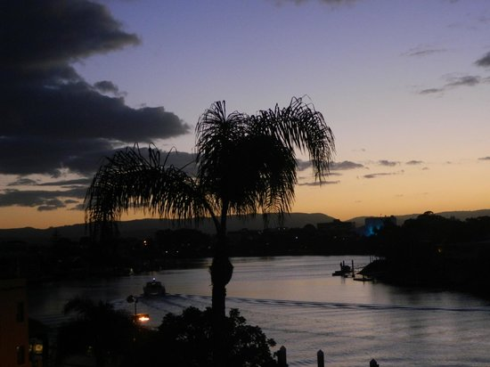 Moorings on Cavill Avenue: sunset from the balcony