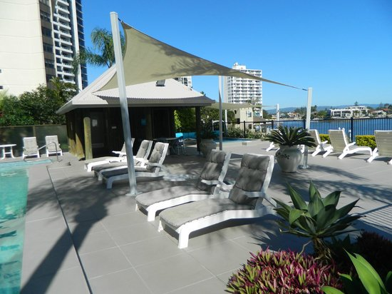 Moorings on Cavill Avenue: Pool area