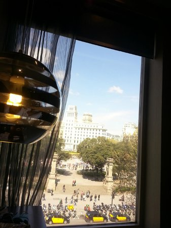 Hotel Olivia Plaza: ROOM WITH VIEW ON PLACA CATALUNYA