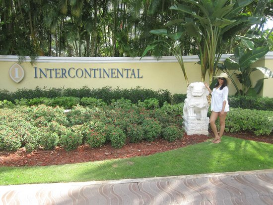 InterContinental San Juan Resort &amp; Casino: Hotel entrance