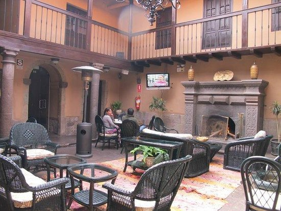 Tierra Viva Cusco Plaza: Common sitting area