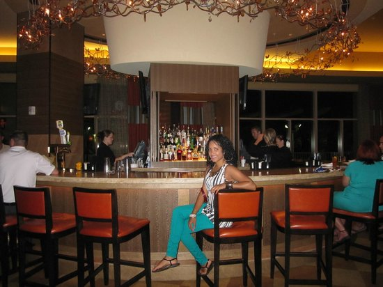 Hilton Orlando Bonnet Creek: The Bar by the Entrance