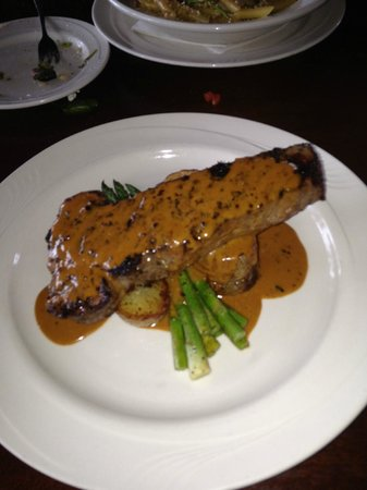 Newburyport, Массачусетс: Steak Au Poivre - Excellent Presentation