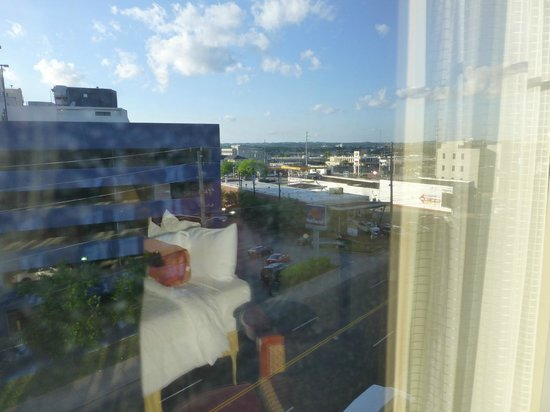 Hilton Garden Inn Nashville/Vanderbilt: Great View - but you don't want it