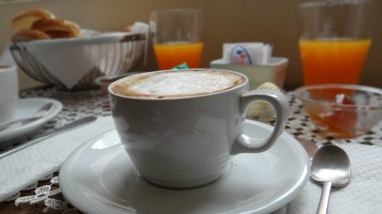The Center of Rome B&amp;B: cappuccino