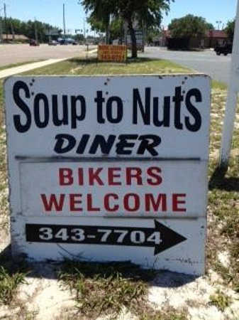 Tavares, FL: Did Rober Irvine endorse this sign?