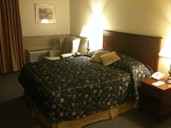 Inn on the Lake: My room