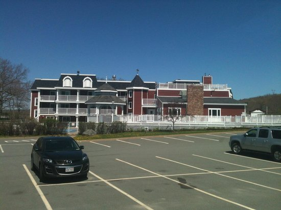 Inn on the Lake: Part of the parking lot.
