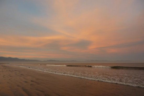 Occidental Grand Nuevo Vallarta: Sunrise! Go for a walk on the beach!!