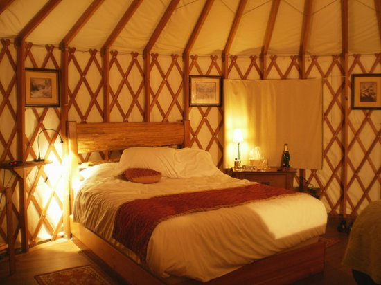 Port Renfrew, Canada: The inside of the Yurt
