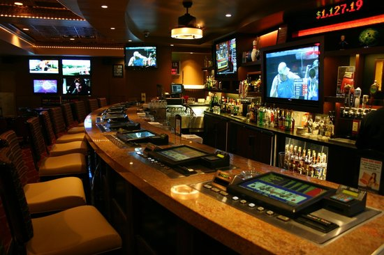 Circus Circus Hotel and Casino-Reno: New Race and Sports Book, Bar and Lounge