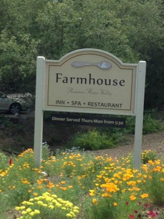 Farmhouse Inn &amp; Restaurant: Entrance