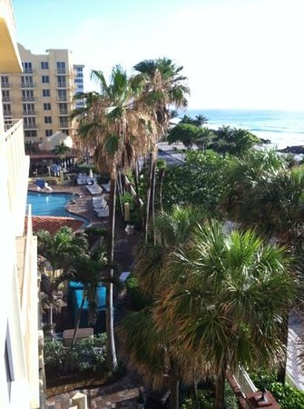 Embassy Suites Deerfield Beach Resort: angle shot from our balcony.  we had an outside corner delux king ocean front