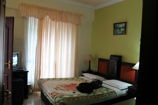 Archana Residency Munnar: room