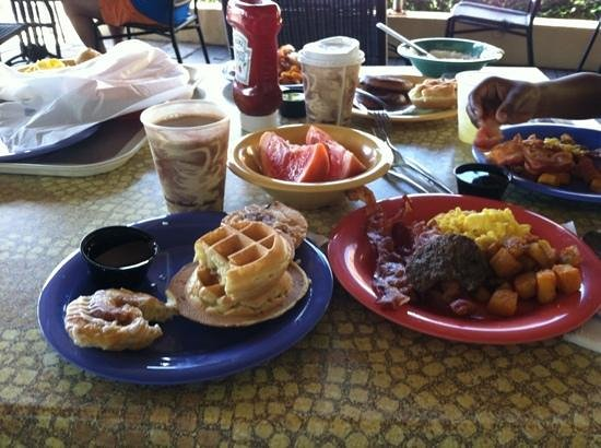 Embassy Suites Deerfield Beach Resort: breakfast