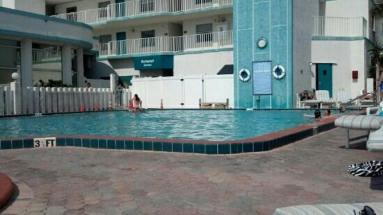 Discovery Beach Resort : pool 