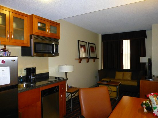 Residence Inn Atlanta Downtown: Kitchenette
