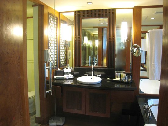 The Sentosa, A Beaufort Hotel: Bathroom
