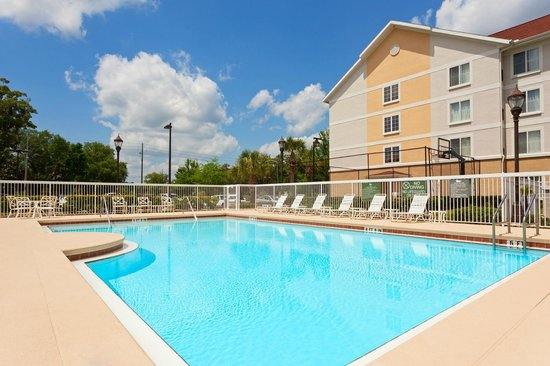 Homewood Suites Gainesville: Outdoor Pool