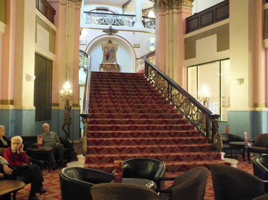 Britannia Grand Hotel Scarborough: The Grand Staircase
