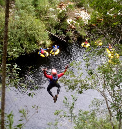 Storms River, แอฟริกาใต้: Activities - Blackwatertubing