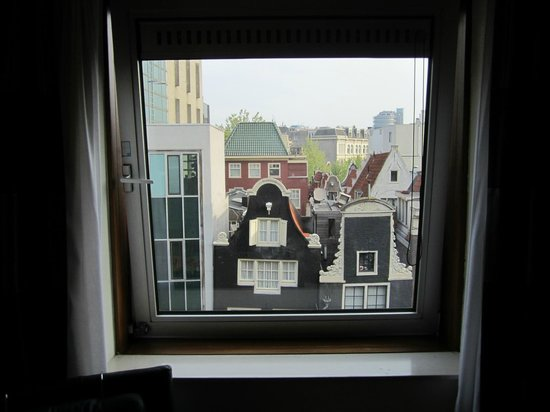 Inntel Hotels Amsterdam Centre : Window view from room 