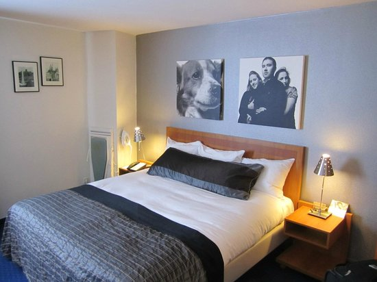 Inntel Hotels Amsterdam Centre : Large and comfortable bed in room 3351 