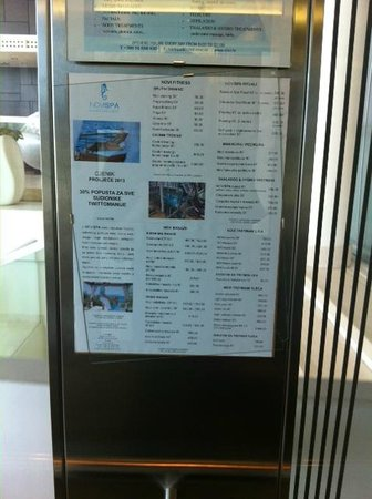 Novi Spa Hotel & Resort: elevator and broken glass