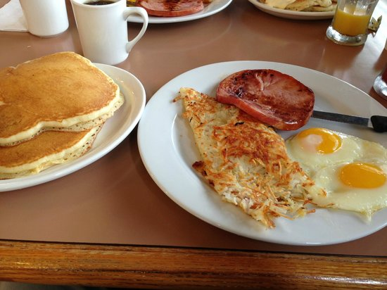 Oakdale, Californië: $4.99 breakfast