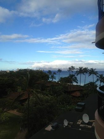 Royal Lahaina Resort: very windy as Maui is always, view from room