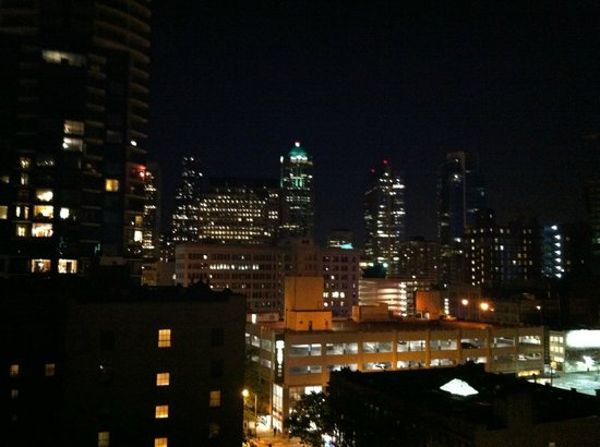 Warwick Seattle Hotel: Seattle from Warwick Hotel- Dated May 8th 2013