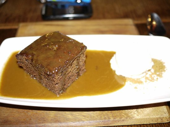 Macclesfield, UK: Sticky Toffee Pudding