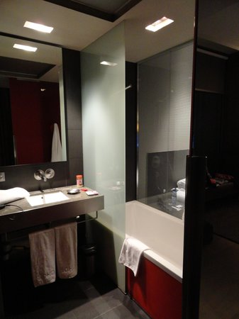 Soho Hotel: bathroom