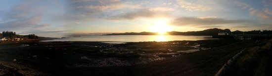 Port Hardy, Canada: Gorgeous panoramic view from the park in front of The Sporty