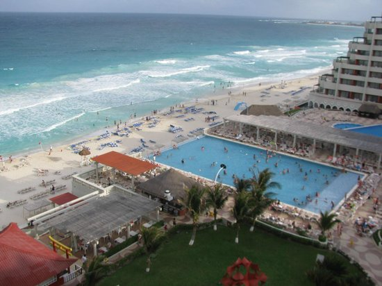 Crown Paradise Club Cancun : View from the room 
