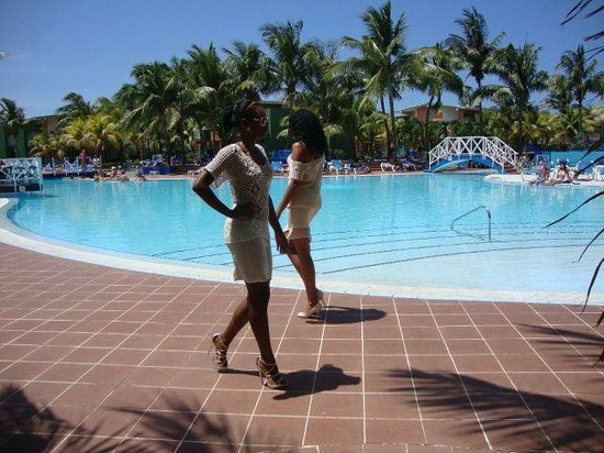 Cuban fashion show solymar pool picture of hotel barcelo for Pool fashion show