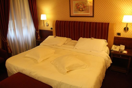 Hotel Berna : Quarto confortvel 
