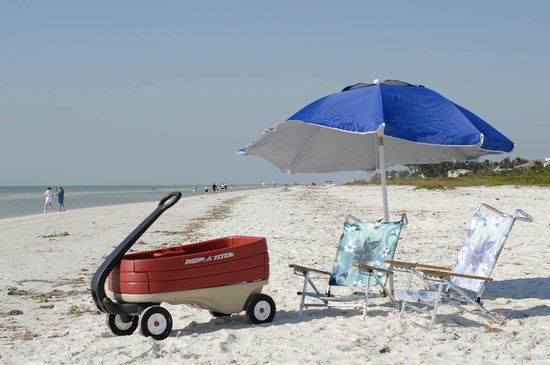 Seahorse Cottages: Everthing for the beach - even the wagon!