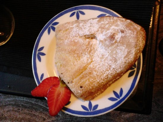 B&B Il Cielo: Breakfast - local cake