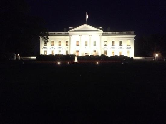 Sofitel Washington DC: white house at night