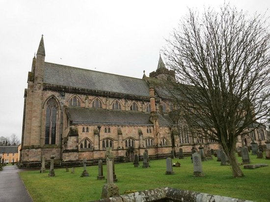 Dunblane Cathedral exterior