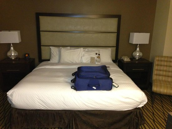 DoubleTree Suites by Hilton - Austin: Bedroom 1
