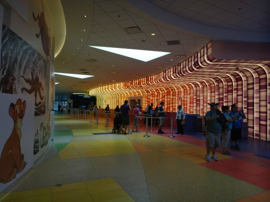 Disney&#39;s Art of Animation Resort: Check-in area