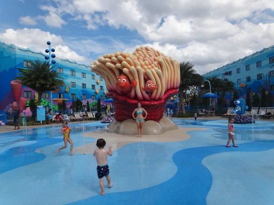 Disney&#39;s Art of Animation Resort: splash pad at the Big Blue Pool