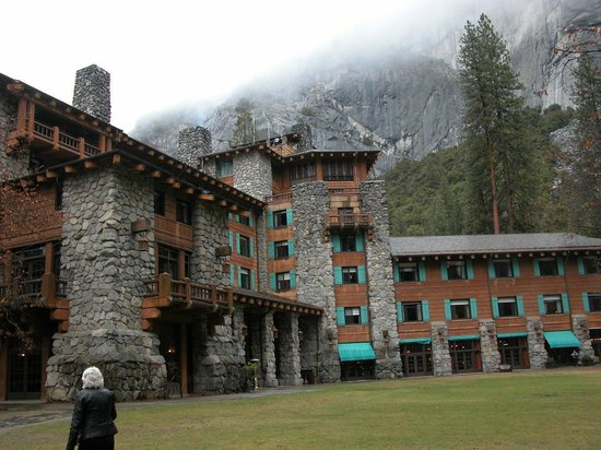 The Ahwahnee: The Original Front Entrance