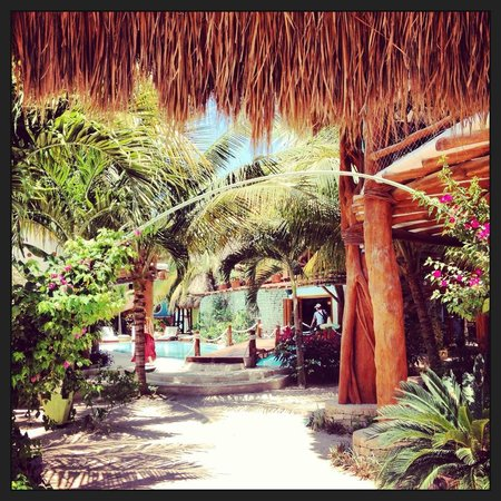 Holbox Hotel Casa las Tortugas - Petit Beach Hotel &amp; Spa : Desde la entrada del hotel se respira paz 