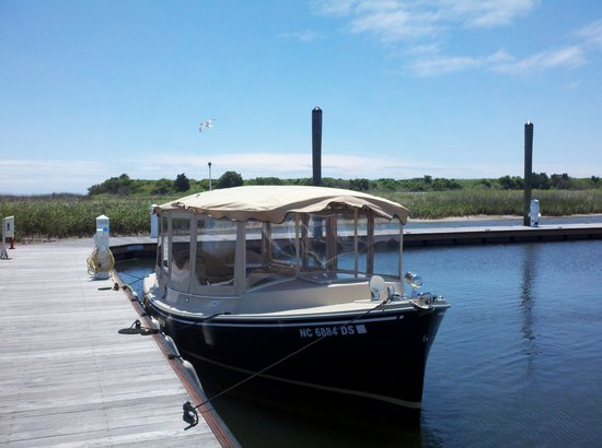 Robert Ruark Inn: Take a boat tour on one of the many sailing or power charters!