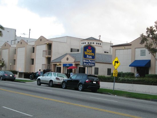 BEST WESTERN Royal Palace Inn & Suites: Front of Hotel