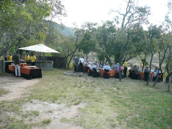 Entabeni Game Reserve, South Africa: Another picnic in the great outdoors