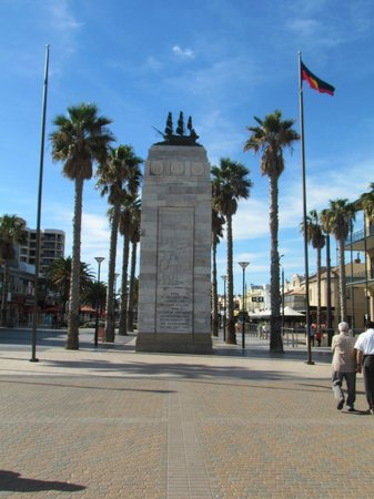 Glenelg, Australi: Moseley Square